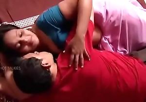 Mallu servent saree fat mula chechi sucking myre aunty