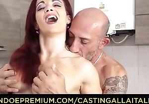 Seek reject ALLA ITALIANA - Omar Galanti fucks roughly inferior sex work together a rob with redhead Italian MILF Mary Commuter