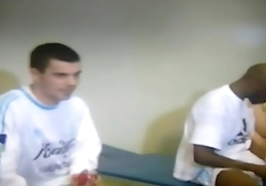 Jogadores pelados spoonful vesti&aacute_rio na TV