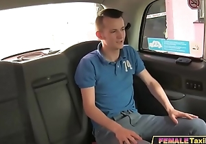 Young Guy Gets Fuck Coaching From Carnal knowledge Amok Milf Hansom cab Driver