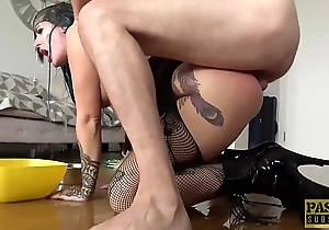 Inked smooth talker Alexxa Vice submits to rough anal smarting