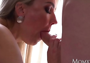 Mummy Beauteous Russian MILF Elen Covey blowjob and piledriver enjoyment from