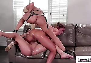 Two bitches masturbates their wet crack and squirt
