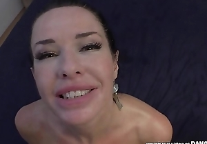 Veronica Avluv squirts respecting a cock