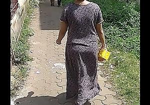 Maharashtrian bhabhi filmed enervating no underwear